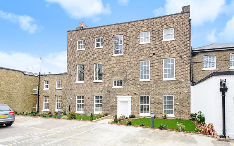 Dunstable House, Richmond