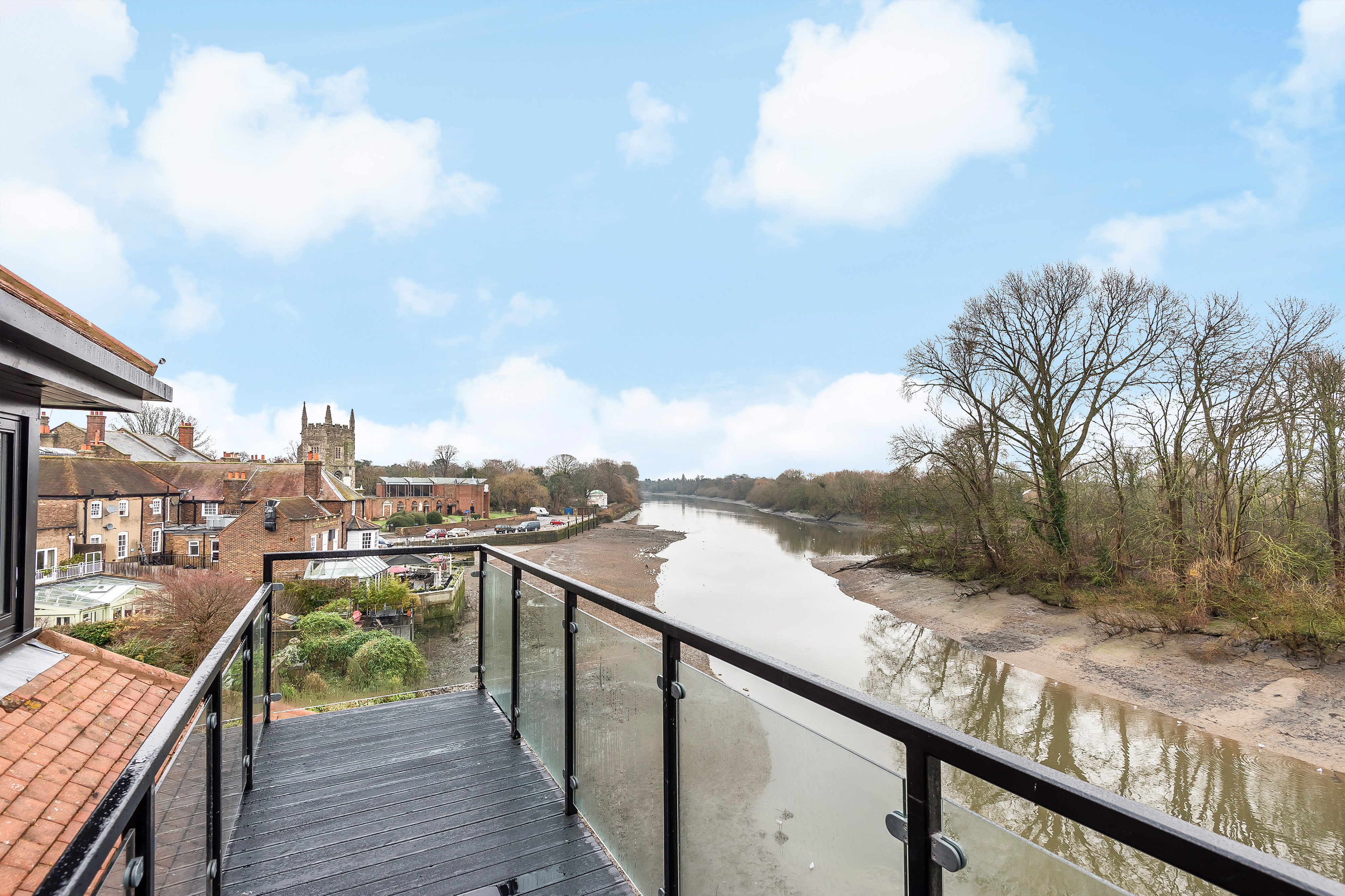 Bridge Wharf, Isleworth, TW7